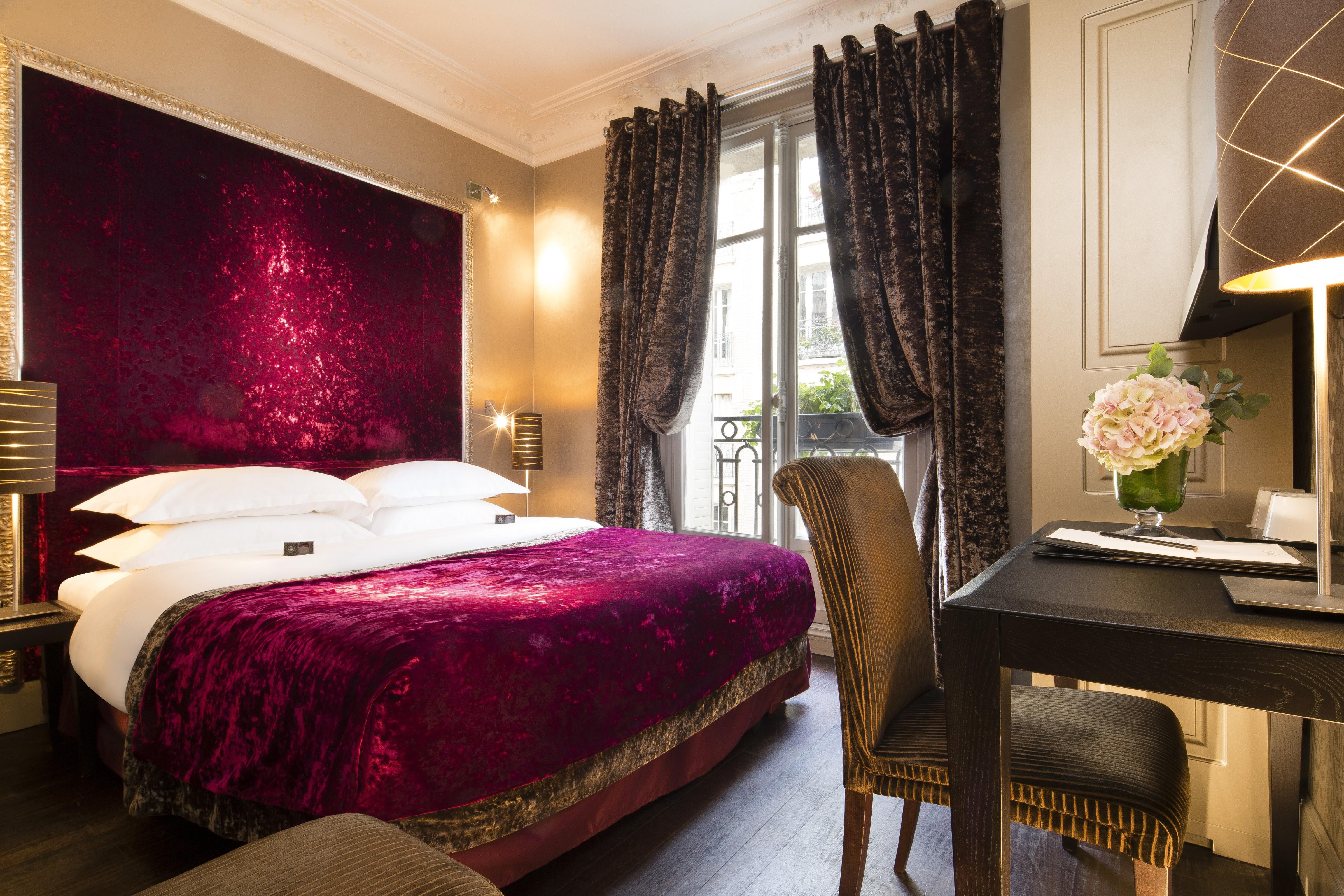 Picture of: Hotel Ares Eiffel Paris Elegant Paris Boutique Hotel Classic Vaerelse